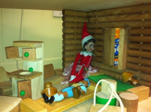 Pippi plays therapist to the mailman in the treehouse!