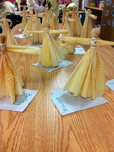 Thanksgiving crafts - Corn husk dolls